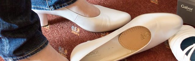 dreamdiary-Wear a lot of shoes