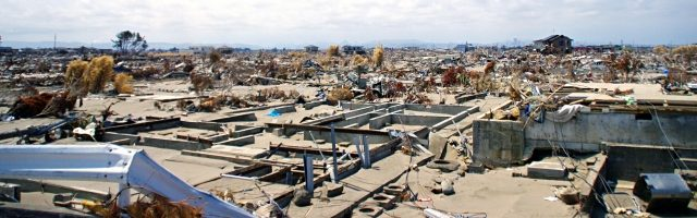 dreamdiary-it-is-devastated-town-in-the-earthquake