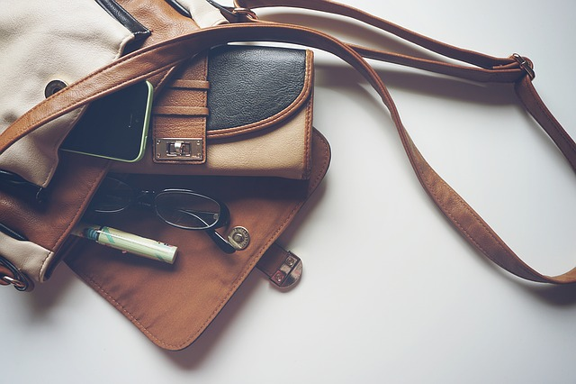 dreamdiary-restaurant-bag-and-steal-stolen